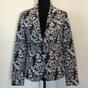 NWOT Mario Serrani black and cream blazer.